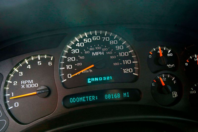 2004 GMC Yukon XL SLE - 3rd row seats - BRAND NEW tires  city California  MDK International  in Los Angeles, California