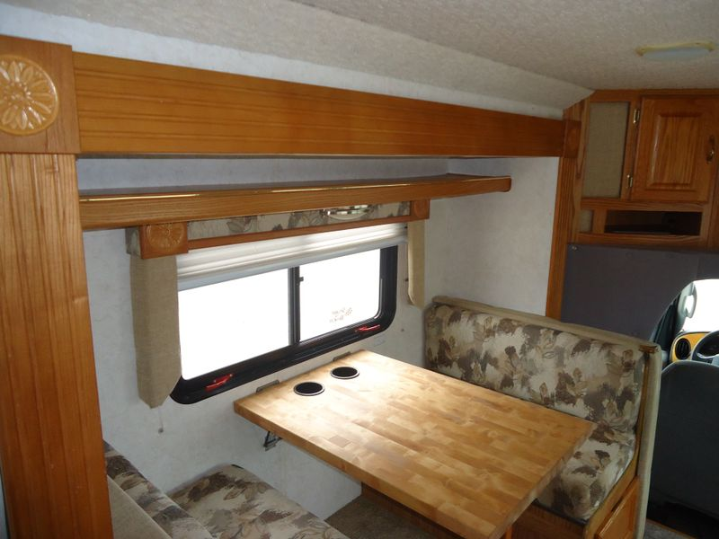 2004 Gulf Stream B Touring Cruiser 5230  in Sherwood, Ohio