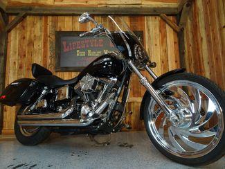 2004 Harley-Davidson Dyna® Wide Glide Anaheim, California 11