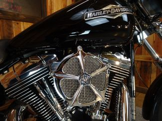 2004 Harley-Davidson Dyna® Wide Glide Anaheim, California 8