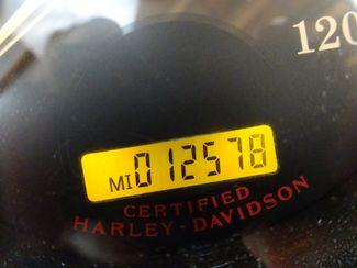 2004 Harley-Davidson Dyna® Wide Glide Anaheim, California 37