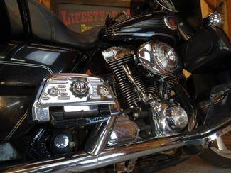 2004 Harley-Davidson Electra Glide® Ultra Classic Anaheim, California 4