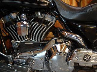 2004 Harley-Davidson Electra Glide® Ultra Classic Anaheim, California 3