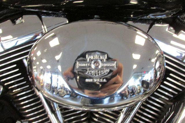 2004 Harley-Davidson Road King® Custom Arlington, Texas 25