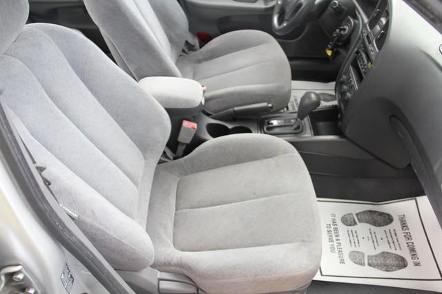 2004 Hyundai Elantra GLS Santa Clarita, CA 14
