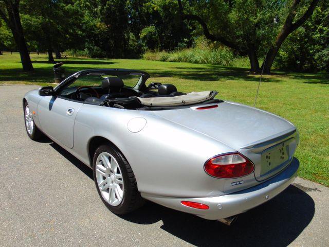 2004 Jaguar XKR Leesburg, Virginia 3