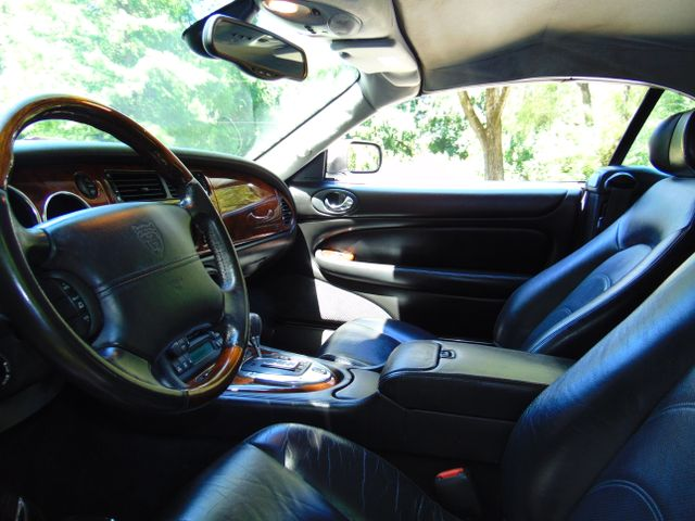 2004 Jaguar XKR Leesburg, Virginia 31