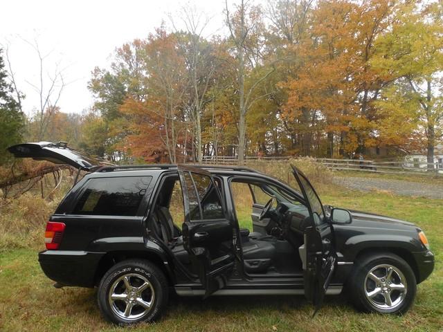 2004 Jeep Grand Cherokee Overland W/ Navigation Leesburg, Virginia 7