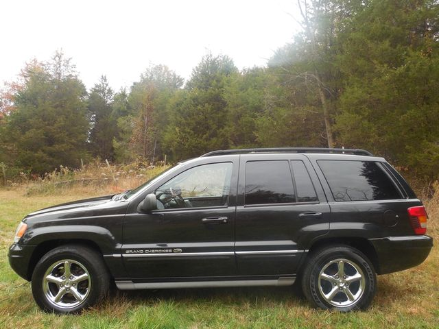 2004 Jeep Grand Cherokee Overland W/ Navigation Leesburg, Virginia 3