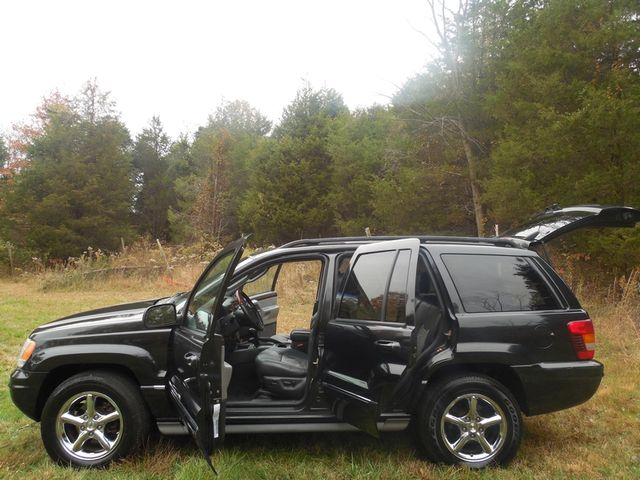 2004 Jeep Grand Cherokee Overland W/ Navigation Leesburg, Virginia 9
