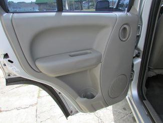 2004 Jeep Liberty Sport, Gas Saver! Clean CarFax! New Orleans, Louisiana 14