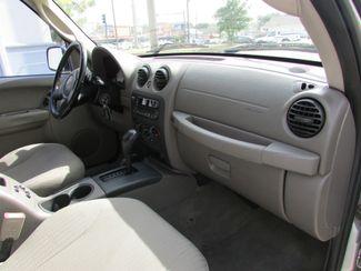 2004 Jeep Liberty Sport, Gas Saver! Clean CarFax! New Orleans, Louisiana 17