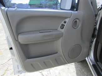 2004 Jeep Liberty Sport, Gas Saver! Clean CarFax! New Orleans, Louisiana 8