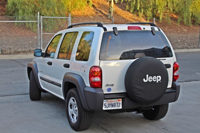 2004 Jeep LIBERTY SPORT AUTOMATIC ONLY 61K ORIGINAL MILES SERVICE RECORDS Woodland Hills, CA 3