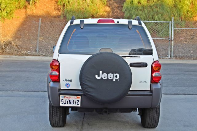 2004 Jeep LIBERTY SPORT AUTOMATIC ONLY 61K ORIGINAL MILES SERVICE RECORDS Woodland Hills, CA 4