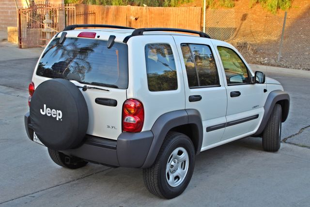 2004 Jeep LIBERTY SPORT AUTOMATIC ONLY 61K ORIGINAL MILES SERVICE RECORDS Woodland Hills, CA 5