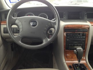 2004 Kia Amanti Sedan San Antonio, Texas 6