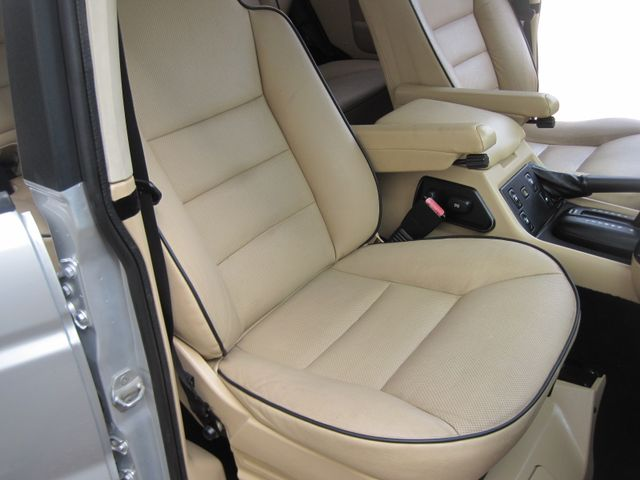 2004 Land Rover Discovery SE7, 3rd Seats, Rear A/C, Very Nice, Drives Great Plano, Texas 19