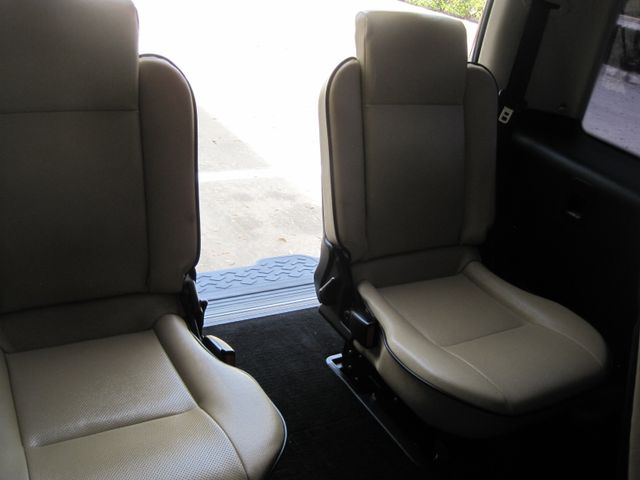 2004 Land Rover Discovery SE7, 3rd Seats, Rear A/C, Very Nice, Drives Great Plano, Texas 21