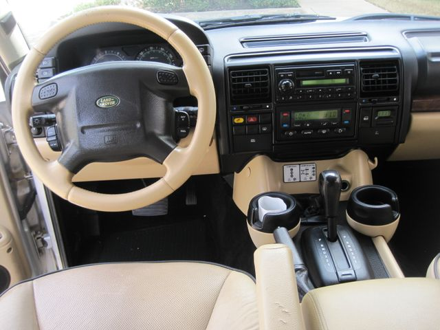 2004 Land Rover Discovery SE7, 3rd Seats, Rear A/C, Very Nice, Drives Great Plano, Texas 24