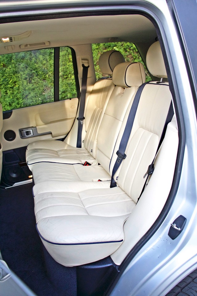 2004 Land Rover RANGE ROVER HSE 1-OWNER NAVIGATION XENON REAR DVD SYSTEM Woodland Hills, CA 32