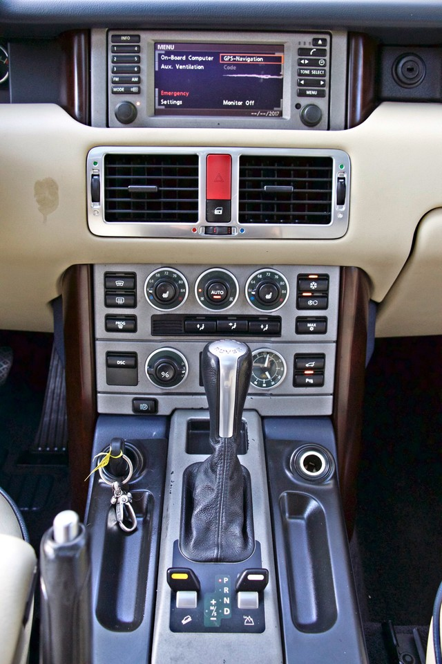 2004 Land Rover RANGE ROVER HSE 1-OWNER NAVIGATION XENON REAR DVD SYSTEM Woodland Hills, CA 21
