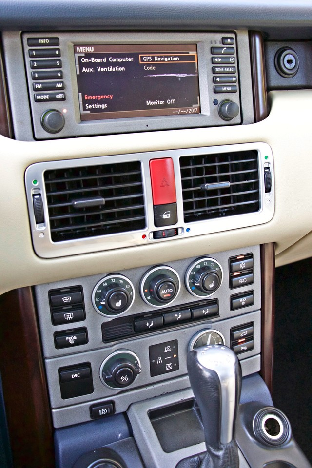 2004 Land Rover RANGE ROVER HSE 1-OWNER NAVIGATION XENON REAR DVD SYSTEM Woodland Hills, CA 20