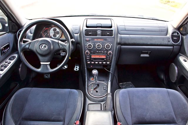 2004 Lexus IS 300 SPORT AUTOMATIC XENON MOONROOF NEW TIRES SERVICE RECORDS! Woodland Hills, CA 18