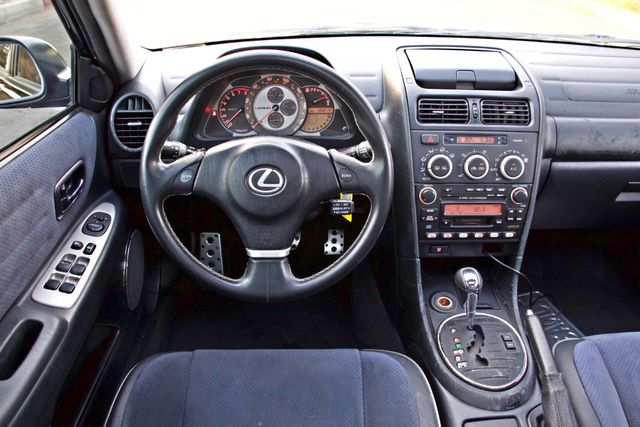 2004 Lexus IS 300 SPORT AUTOMATIC XENON MOONROOF NEW TIRES SERVICE RECORDS! Woodland Hills, CA 20