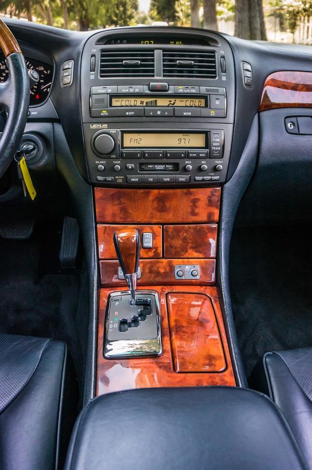 2004 Lexus LS 430  PREMIUM - 91K MILES - HTD STS - SUNROOF Reseda, CA 24