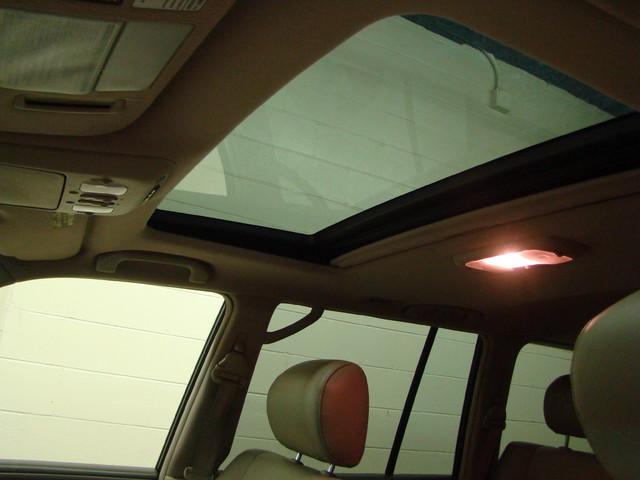 2004 Lexus LX 470 Batavia, Illinois 21