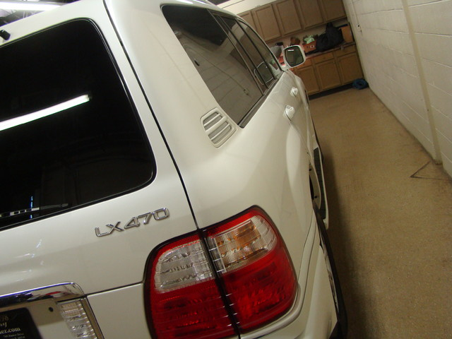2004 Lexus LX 470 Batavia, Illinois 4