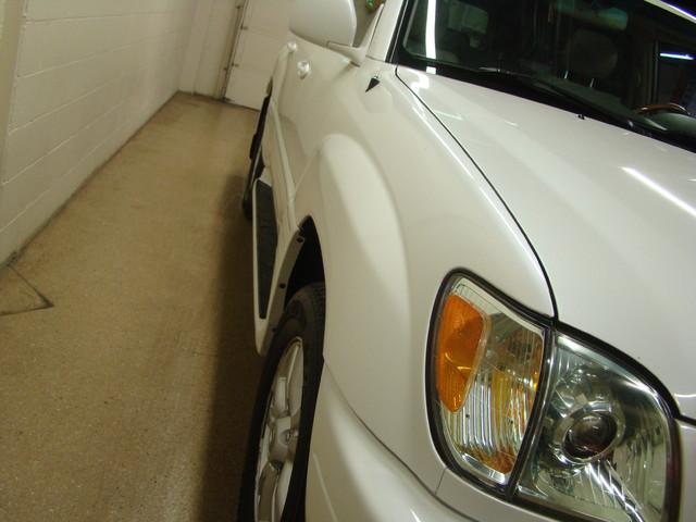 2004 Lexus LX 470 Batavia, Illinois 5