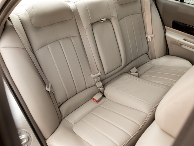 2004 Lincoln LS w/Luxury Pkg Burbank, CA 21