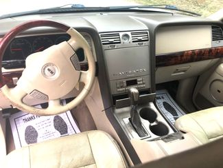 2004 Lincoln-Buy Here Pay Here!! Navigator-3RD-LOADED AND LOCAL!!  CARMARTSOUTH.COM Knoxville, Tennessee 9