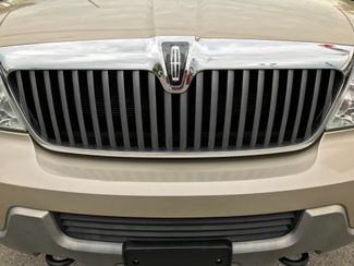 2004 Lincoln Navigator Ultimate Knoxville , Tennessee 5