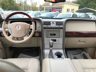 2004 Lincoln Navigator Ultimate Knoxville , Tennessee 42