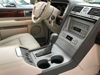 2004 Lincoln Navigator Ultimate Knoxville , Tennessee 82