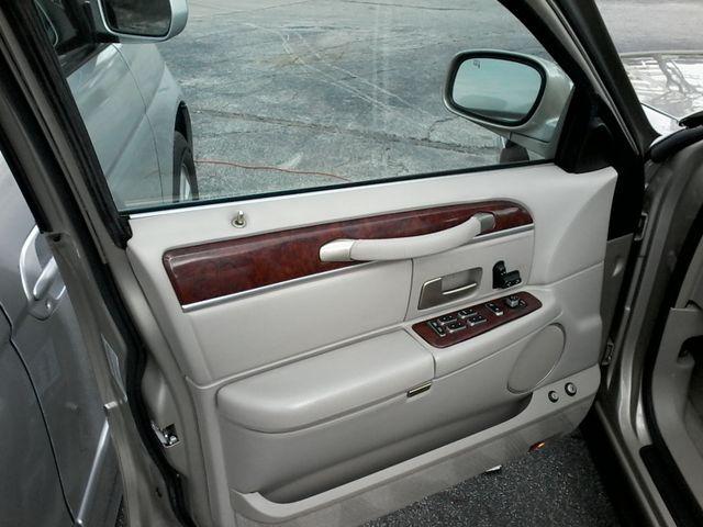 2004 Lincoln Town Car Signature ONE OWNER San Antonio, Texas 15