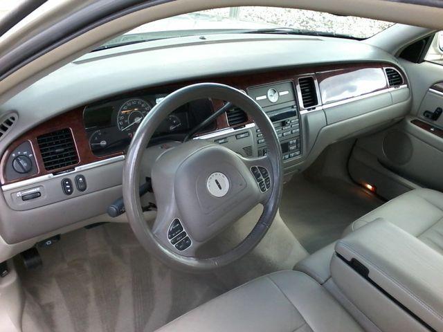 2004 Lincoln Town Car Signature ONE OWNER San Antonio, Texas 17