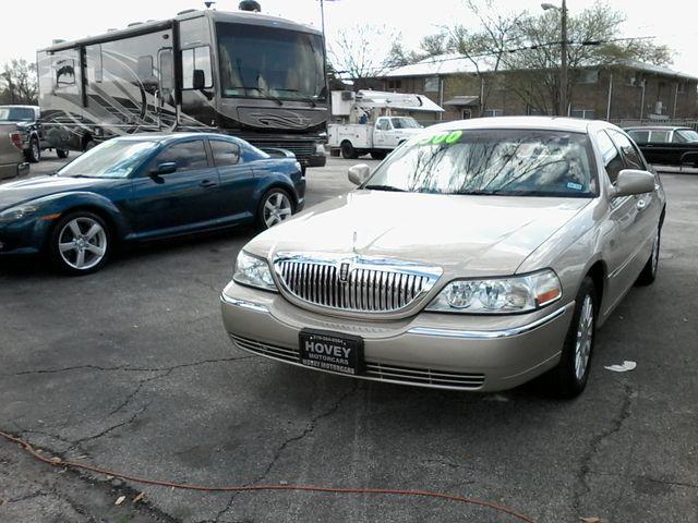 2004 Lincoln Town Car Signature ONE OWNER San Antonio, Texas 2