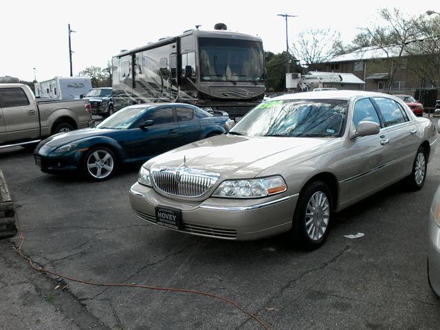 2004 Lincoln Town Car Signature ONE OWNER San Antonio, Texas 3