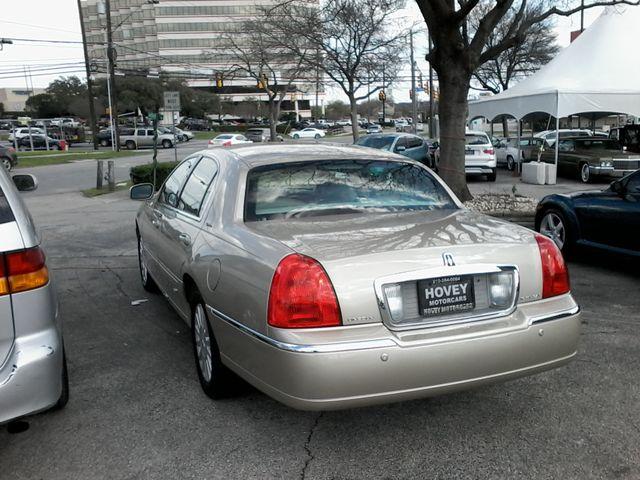 2004 Lincoln Town Car Signature ONE OWNER San Antonio, Texas 4