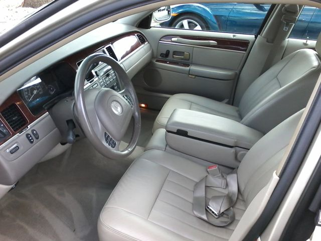 2004 Lincoln Town Car Signature ONE OWNER San Antonio, Texas 10