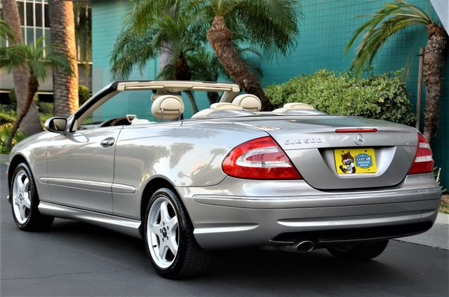 2004 Mercedes-Benz CLK500 Cabriolet 5.0L Reseda, CA 1