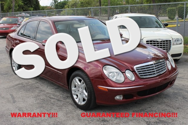 2004 Mercedes E320 32L  WARRANTY 3 OWNERS 11 SERVICE RECORDS FLORIDA VEHICLE  Safe and