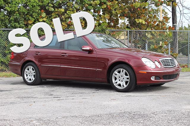 2004 Mercedes E320 32L  WARRANTY CARFAX CERTIFIED FLORIDA VEHICLE 16 SERVICE RECORDS TRADE