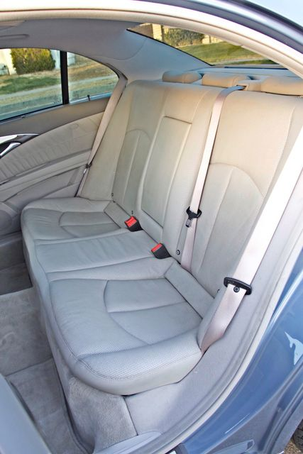 2004 Mercedes-Benz E320 SPORTS PKG XENON 1-OWNER NEW TIRES NAVIGATION LEATHER Woodland Hills, CA 34