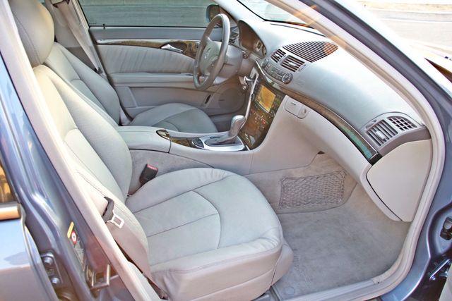 2004 Mercedes-Benz E320 SPORTS PKG XENON 1-OWNER NEW TIRES NAVIGATION LEATHER Woodland Hills, CA 31