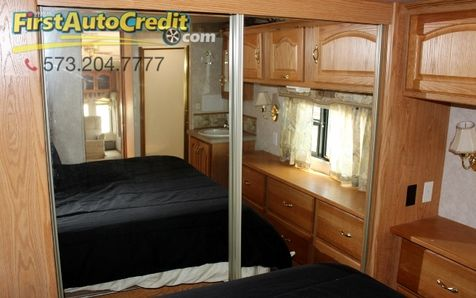2004 Nu-Wa Hitchhicker 34.5 RLTG | Jackson , MO | First Auto Credit in Jackson , MO